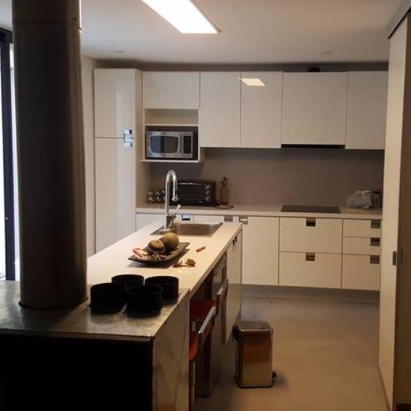 Muebles cocina aereos bajo mesadas y auxiliares for Muebles de cocina montevideo