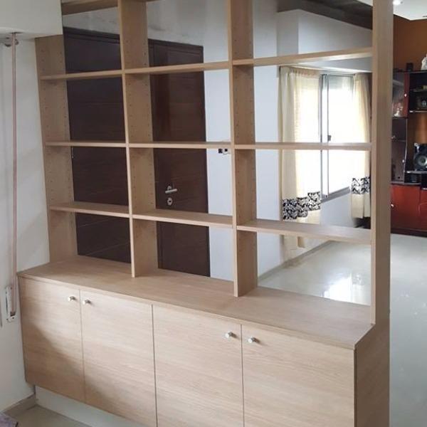 Biblioteca estanter a para dividir ambientes carpintero for Muebles separadores de espacios