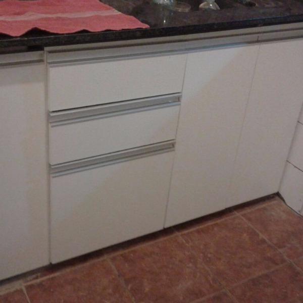 Bajo mesada en melaminico blanco carpintero en for Muebles de cocina montevideo