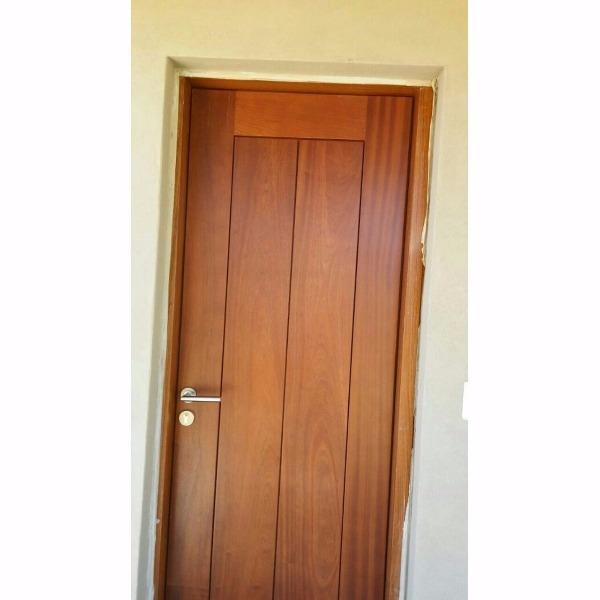Auxiliares a medida en for Puertas madera a medida