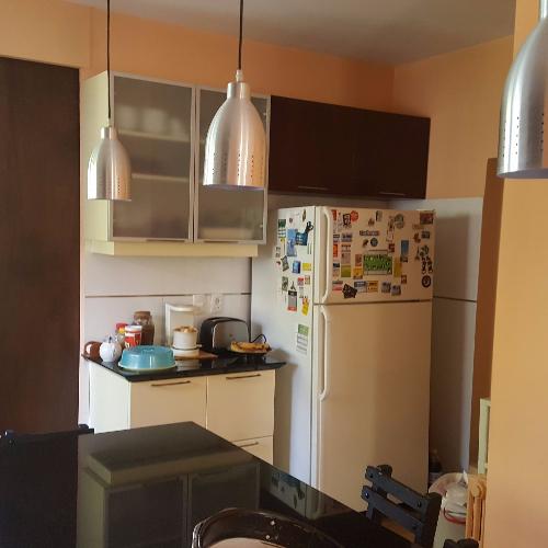 Mueble aereo de cocina puerta basculante carpintero en for Muebles de cocina montevideo