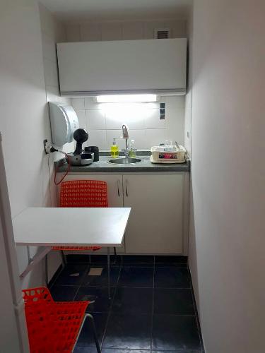Muebles bajo aereos y bajo mesada de cocina carpintero en for Muebles de cocina montevideo