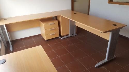 equipamiento para oficina con muebles a reos carpintero