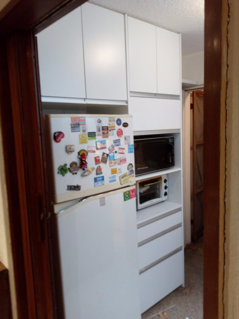 Cocina mueble auxiliar torre para micro en carpintero en for Muebles de cocina montevideo