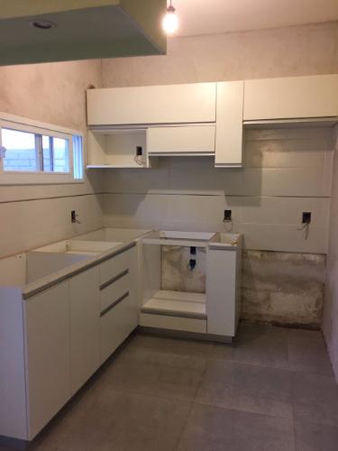 Muebles a reos y bajo mesadas de cocina en carpintero en for Muebles de cocina montevideo