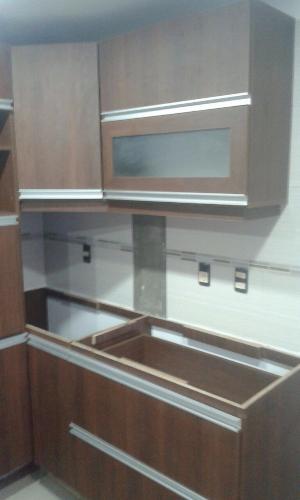 Equipamiento de cocina bajo mesada aereo carpintero en for Muebles de cocina montevideo