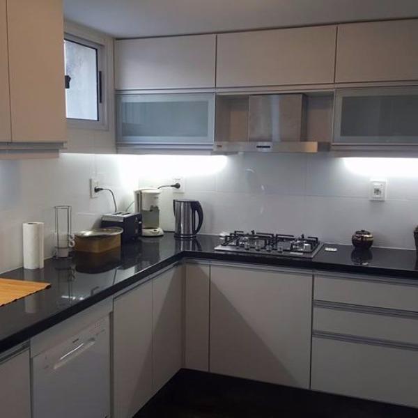 Equipamiento de cocina en melaminico modulos carpintero for Muebles de cocina montevideo