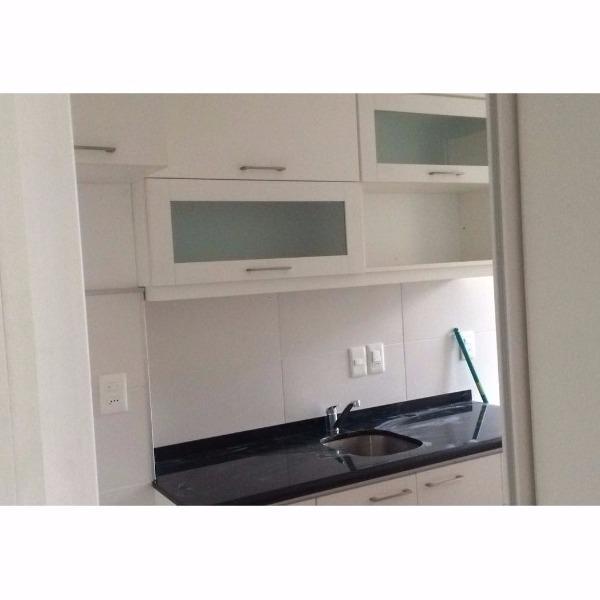 Mueble a reo y bajo mesada de cocina con carpintero en for Muebles de cocina montevideo
